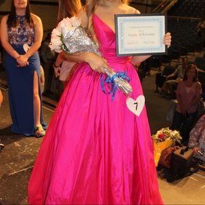Stunning Hot Pink Mac Duggal Dress